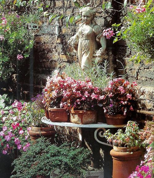 Thiết kế vườn đẹp kiểu Patio - Tây Ban Nha