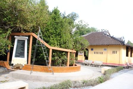 Cây bạch mai ở đình Phú Tự gắn liền sự hình thành của vùng đất phương Nam
