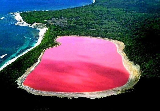 Hồ Hillier ở Australia